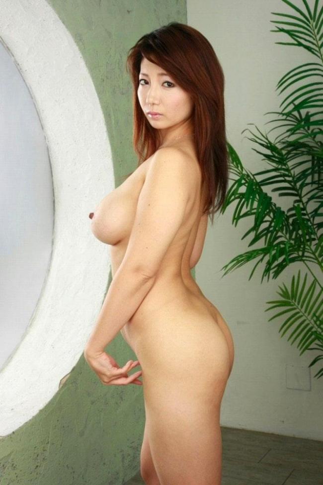 【人妻エロ画像】不倫相手との密会を楽しんでいそうな不倫妻の画像www 33