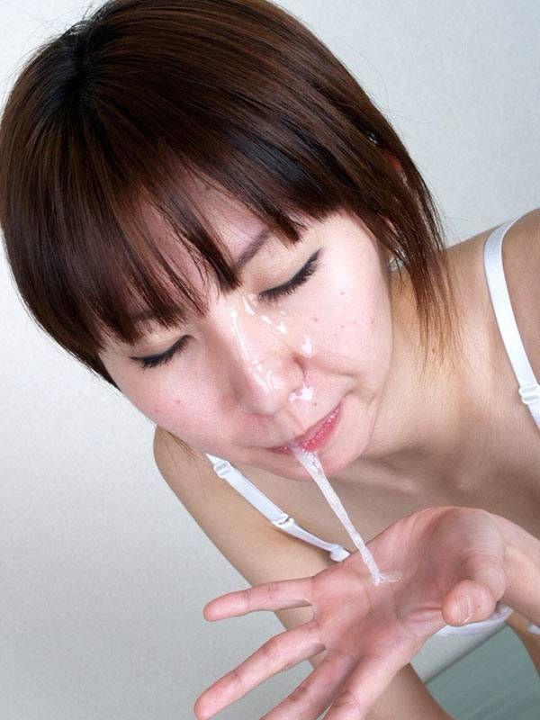 【口内射精エロ画像】お口にザーメンを注がれた時の女の表情が、クソ抜けるwww 27