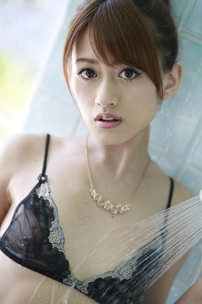 【希島あいりエロ画像】クリクリな目が可愛い、デカ尻お姉さんのエッチなポーズwww 35
