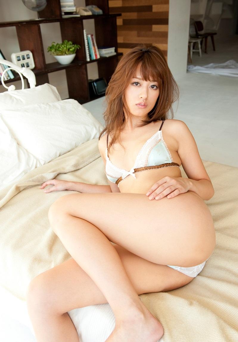 【希島あいりエロ画像】クリクリな目が可愛い、デカ尻お姉さんのエッチなポーズwww 50
