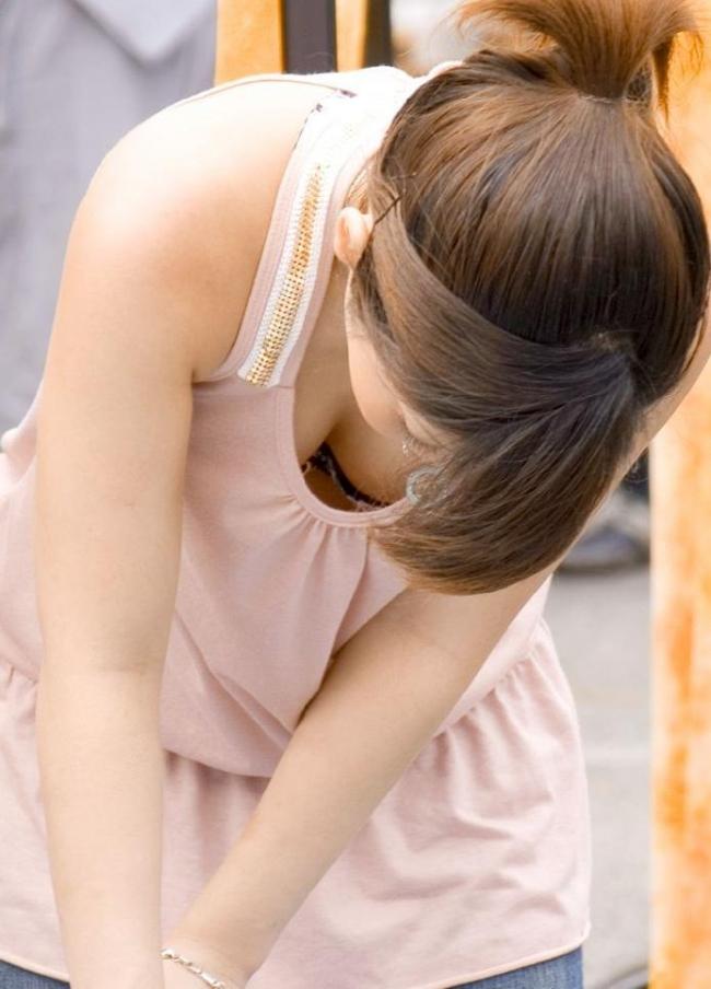 【巨乳エロ画像】はちきれんばかりの、たわわなおっぱい画像www 13