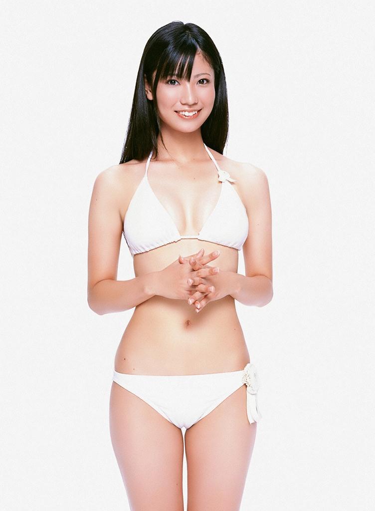 【倉持明日香エロ画像】グラドル並みのナイスバディと、このけしからんおっぱいwww 48