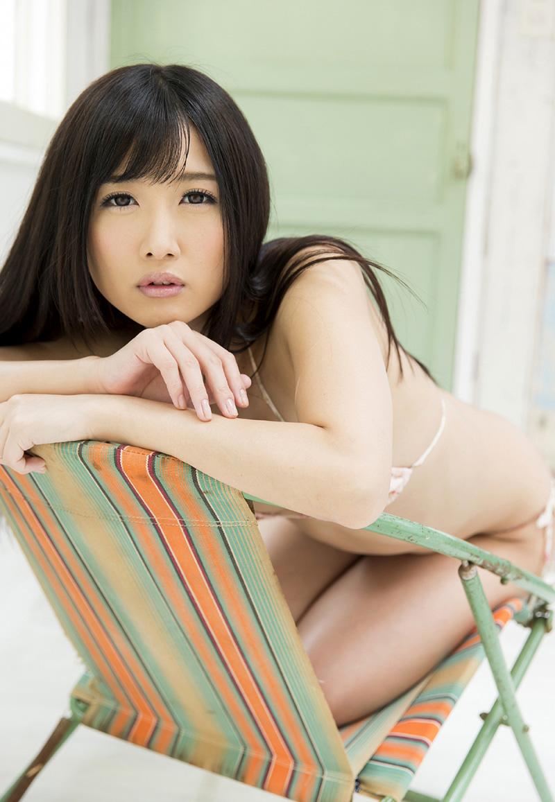 【大槻ひびきエロ画像】愛人にしたくなる清楚な雰囲気のAV女優のスケベなポーズがこちらwww 25