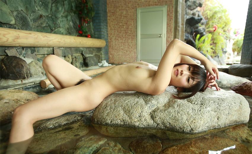 【大槻ひびきエロ画像】愛人にしたくなる清楚な雰囲気のAV女優のスケベなポーズがこちらwww 36