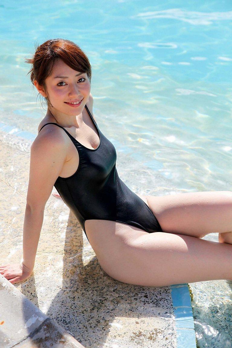 【競泳水着エロ画像】水着をずらしてチンコを挿入したくなってしまう、スク水画像がこちらですwww 23