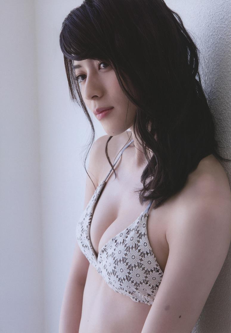 【矢島舞美エロ画像】貧乳なのか、巨乳なのか謎のハロプロ所属の美人お姉さんが最高すぎるwww 31