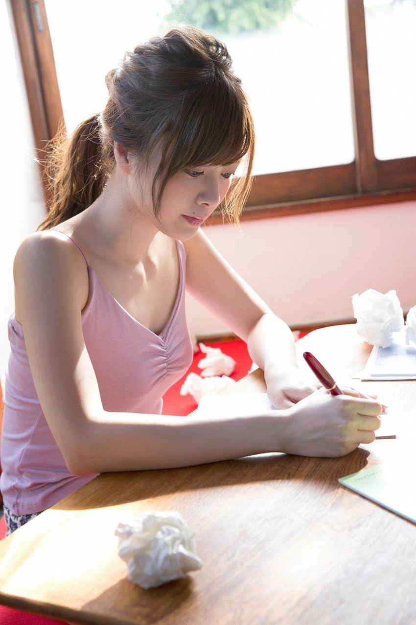 【白石麻衣エロ画像】「パイやん」と呼ばれている、清楚系美少女アイドルのけしからん乳www 32