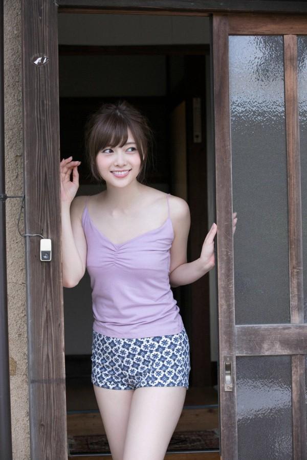 【白石麻衣エロ画像】「パイやん」と呼ばれている、清楚系美少女アイドルのけしからん乳www 46
