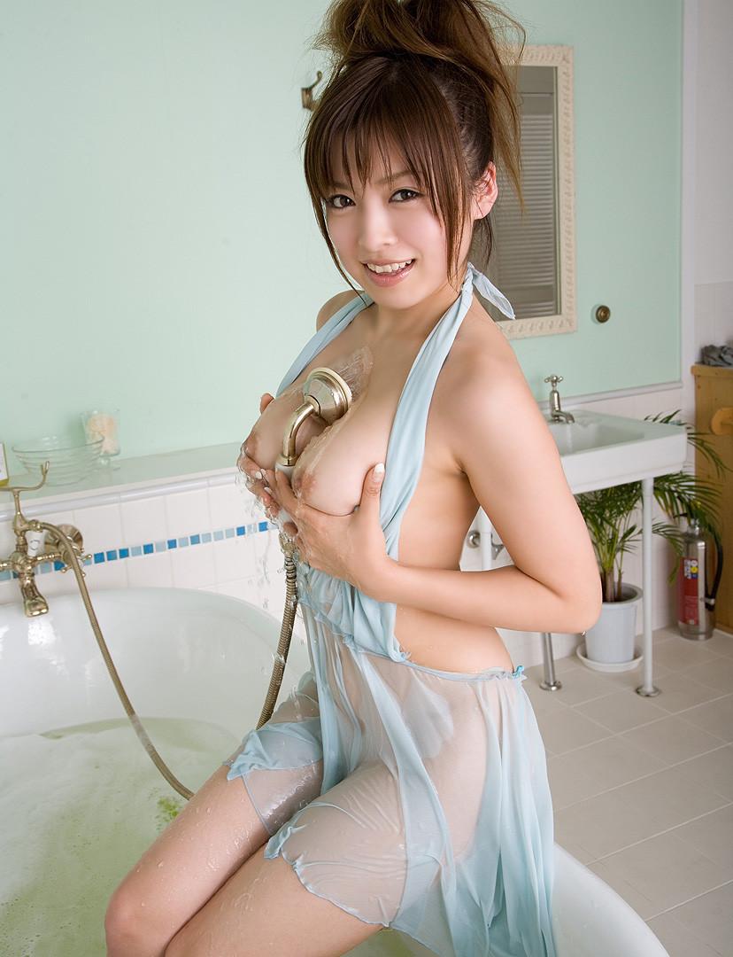 【透け下着エロ画像】おっぱいやおマンコが透けている下着や水着画像wwww 26