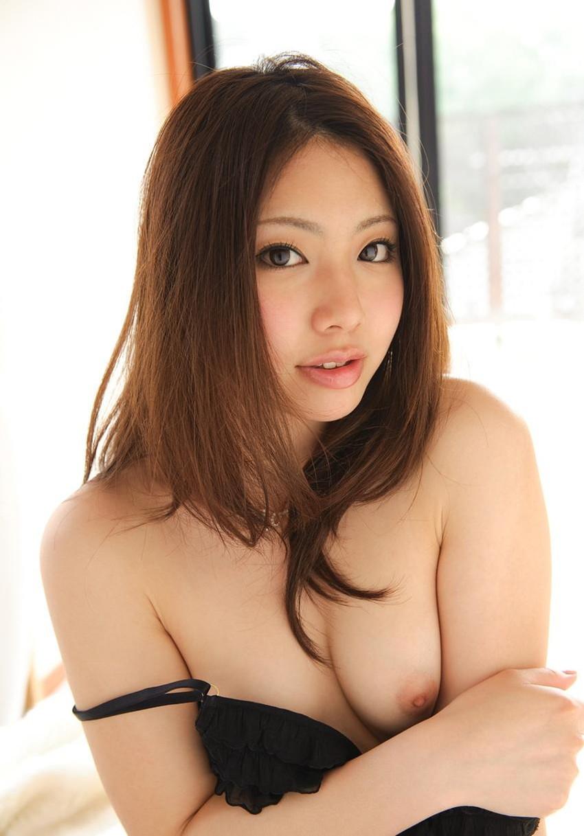 【市川まほエロ画像】こんな美少女がAVに!?正統派美少女のエッチなポーズがこちらwww 32