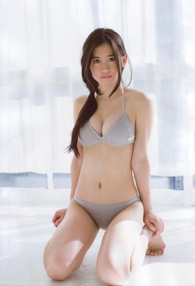 【上西恵エロ画像】優等生キャラでしかも清楚なのに、このスケベ過ぎる身体はなんだ・・・(※勃起注意) 23