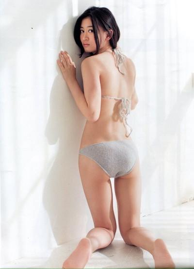 【上西恵エロ画像】優等生キャラでしかも清楚なのに、このスケベ過ぎる身体はなんだ・・・(※勃起注意) 32