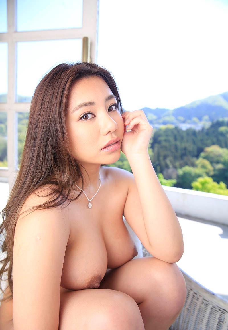 【松本メイエロ画像】ハーフな顔立ちで淫乱そうな若妻と、不倫セックスしたくない? 08