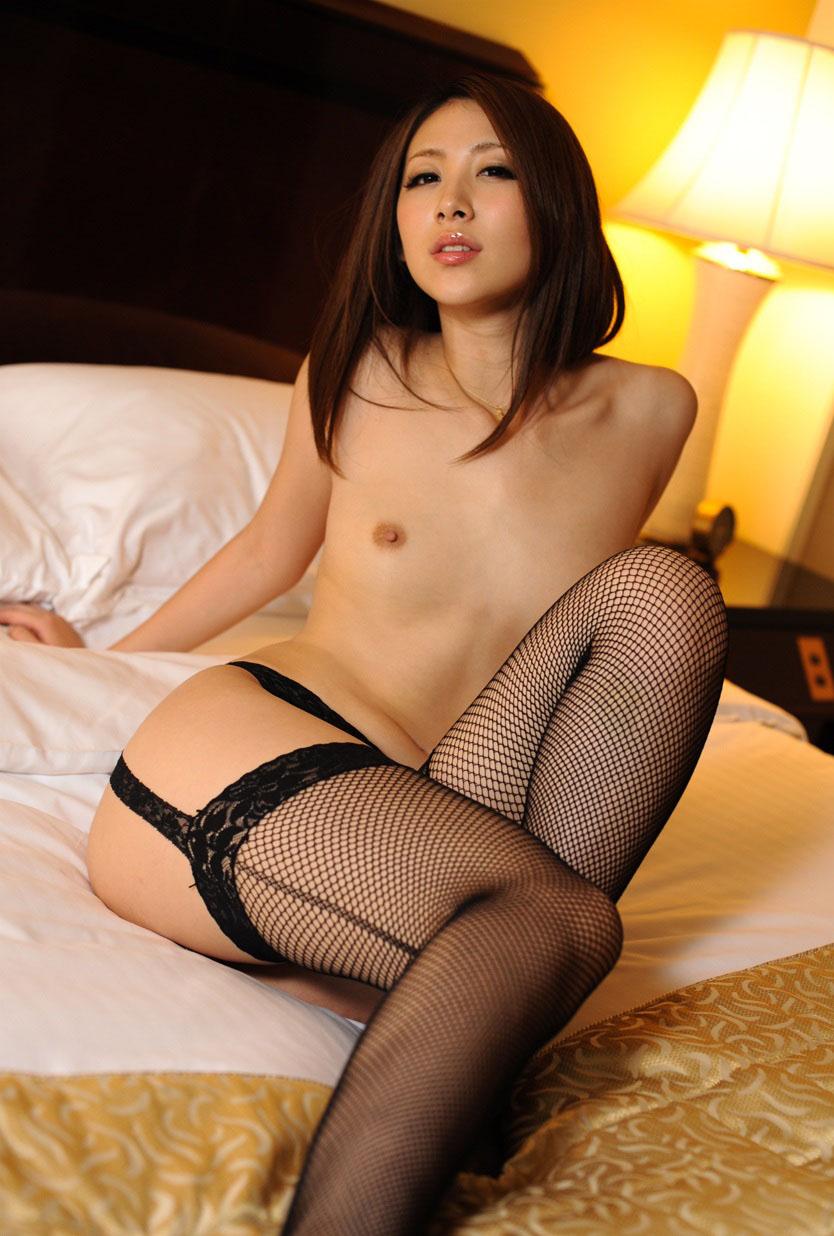 【貧乳エロ画像】ペチャパイでも、感度が最高に良そうなスケベ女子の画像www 34