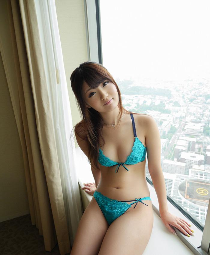 【川村まやエロ画像】素人風のハメ撮りなどで大人気!若妻風のドスケベな雰囲気をご堪能くださいwww 31