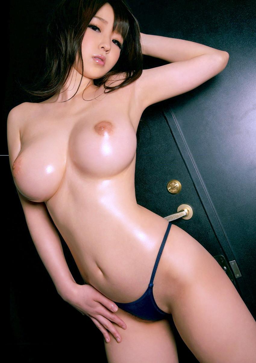 【美巨乳エロ画像】鷲掴みにして無茶苦茶にしたいデカ乳ガールたちwww 21