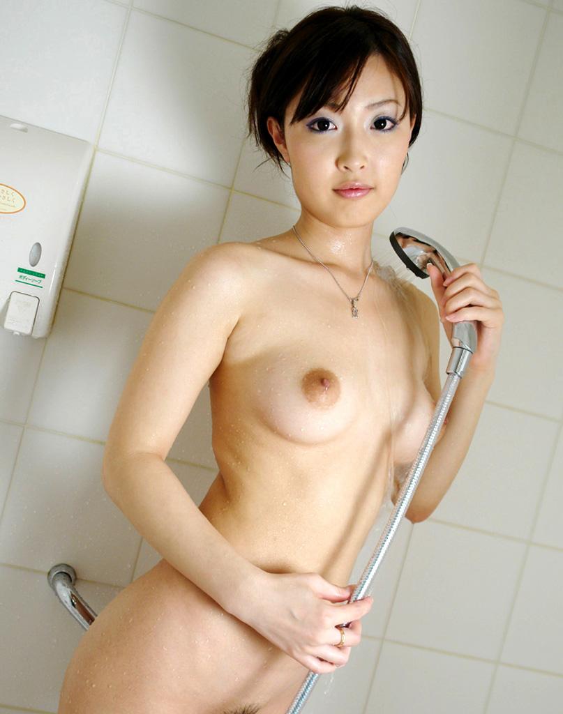【シャワーエロ画像】シャワーでおっぱいを洗っていたり、おマンコを洗っている美女www(※シャワーオナニーもあり) 15
