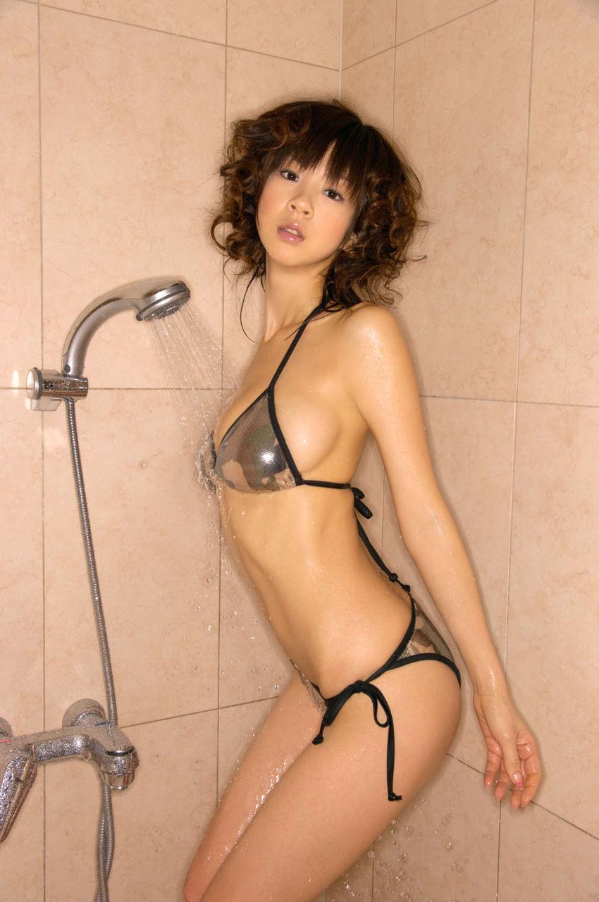 【シャワーエロ画像】シャワーでおっぱいを洗っていたり、おマンコを洗っている美女www(※シャワーオナニーもあり) 34