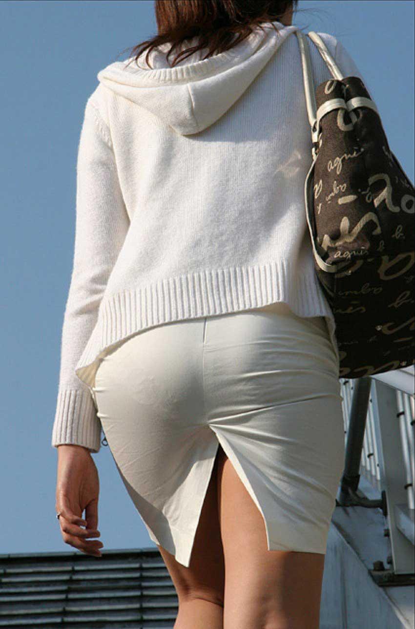 【透けパンツエロ画像】透けパン最高!スカートやズボンから透けるパンティー。オカズとしてお世話になっていますが、この透け具合女性陣は意識してんすか? 37