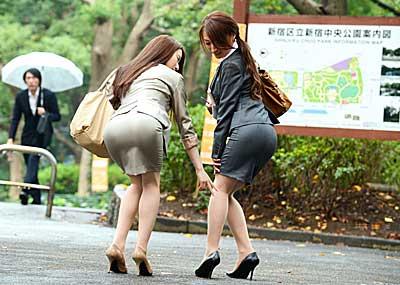 【OLエロ画像】OLのタイトスカートはなぜこんなにエロいのか!俺の会社にはこんな感じのOLがいない…と嘆く方々のために最高にいい感じのエロ画像を集めました!