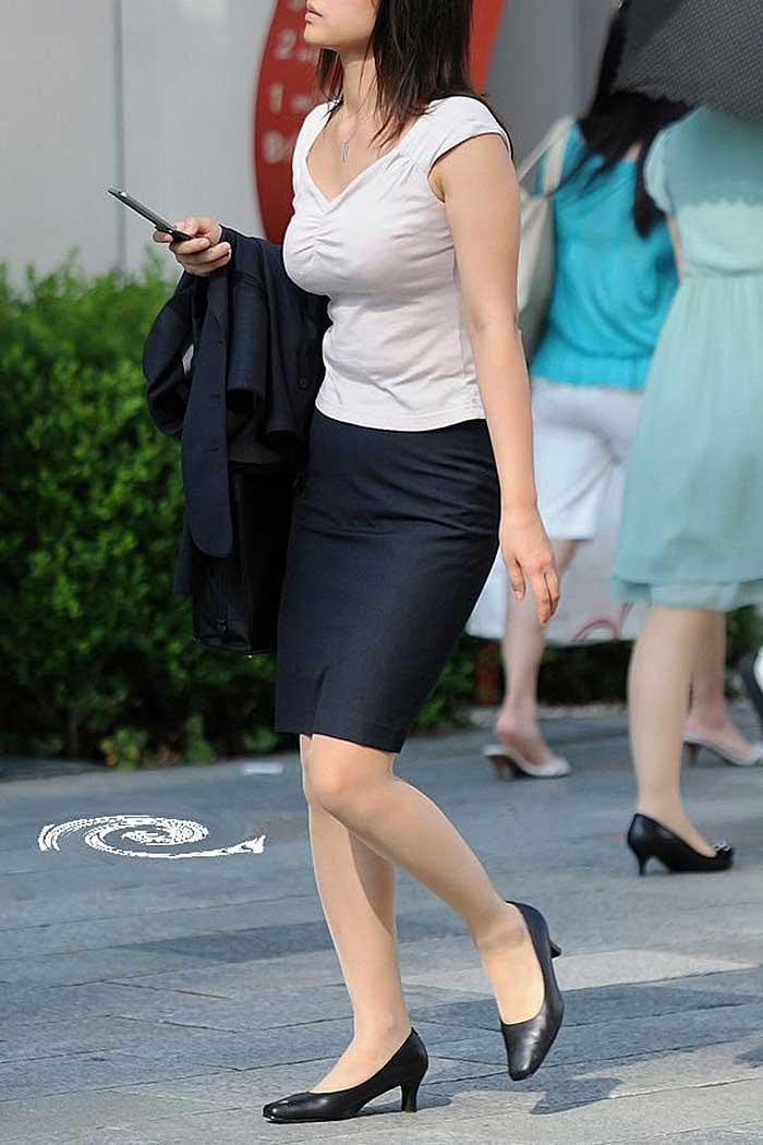 【OLエロ画像】OLのタイトスカートはなぜこんなにエロいのか!俺の会社にはこんな感じのOLがいない...と嘆く方々のために最高にいい感じのエロ画像を集めました! 05