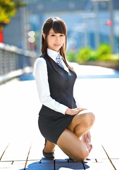 【OLエロ画像】OLのタイトスカートはなぜこんなにエロいのか!俺の会社にはこんな感じのOLがいない...と嘆く方々のために最高にいい感じのエロ画像を集めました! 11