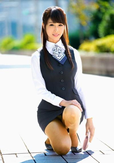 【OLエロ画像】OLのタイトスカートはなぜこんなにエロいのか!俺の会社にはこんな感じのOLがいない...と嘆く方々のために最高にいい感じのエロ画像を集めました! 12