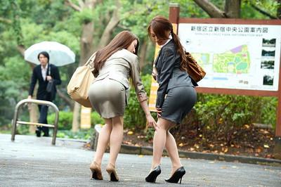 【OLエロ画像】OLのタイトスカートはなぜこんなにエロいのか!俺の会社にはこんな感じのOLがいない...と嘆く方々のために最高にいい感じのエロ画像を集めました! 13