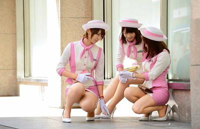 【OLエロ画像】OLのタイトスカートはなぜこんなにエロいのか!俺の会社にはこんな感じのOLがいない...と嘆く方々のために最高にいい感じのエロ画像を集めました! 17