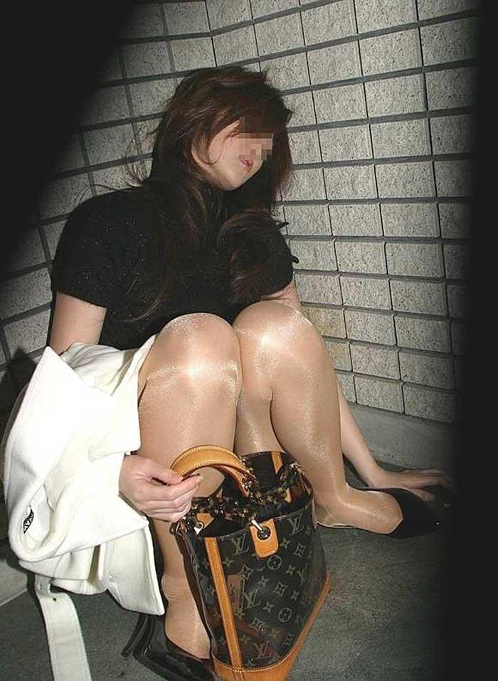 【泥酔ギャルエロ画像】酒の力は何よりもスゴい!泥酔してエロい恰好になっちゃったギャルの画像を集めたら妄想も膨らんで最高のオカズになりました。 23