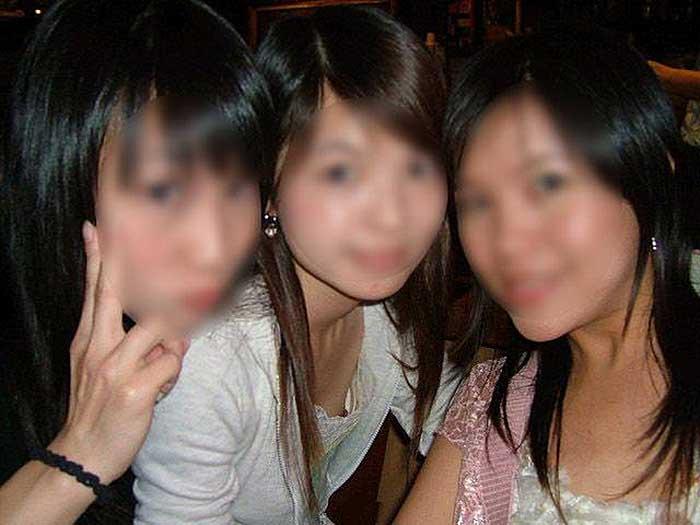 【乳首チラエロ画像】乳首見えてますよー!的な超エロハプニング画像50選!モニターに顔を近づけすぎないように注意してくださいww 18