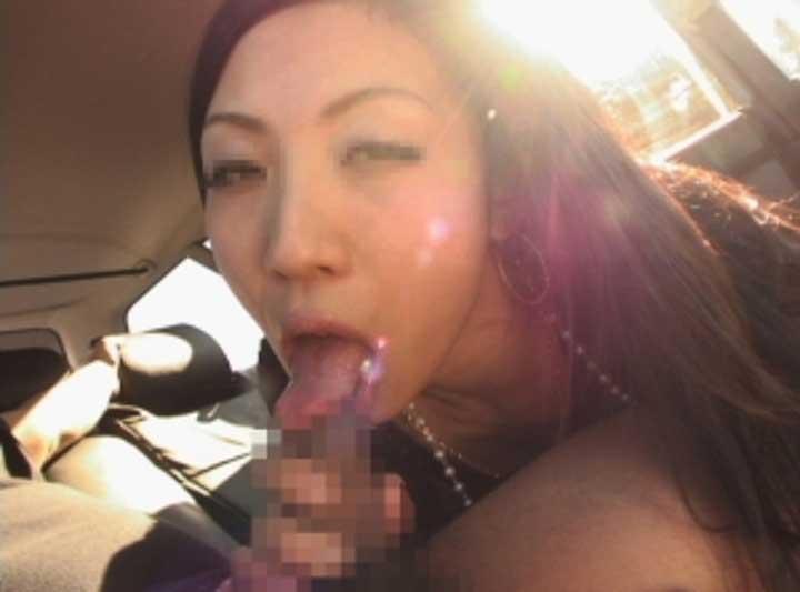 【車内フェラエロ画像】車内でフェラってドキドキで超エロい!もう誰かに見られちゃってもいいよね的な車の中でのフェラ画像50枚 44