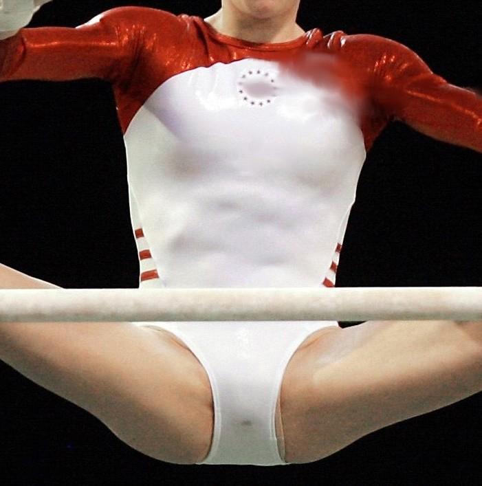 【レオタードエロ画像】バレエと体操のレオタードってなんでこんなにエロいの?乳首勃起やマン型くっきりのスポーツエロ画像50枚 31