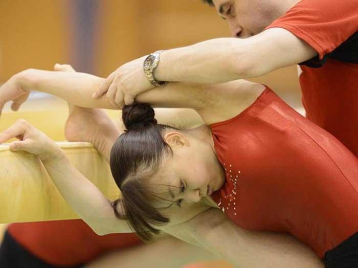 【レオタードエロ画像】バレエと体操のレオタードってなんでこんなにエロいの?乳首勃起やマン型くっきりのスポーツエロ画像50枚 44