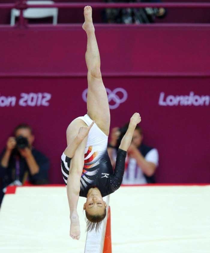 【レオタードエロ画像】バレエと体操のレオタードってなんでこんなにエロいの?乳首勃起やマン型くっきりのスポーツエロ画像50枚 49