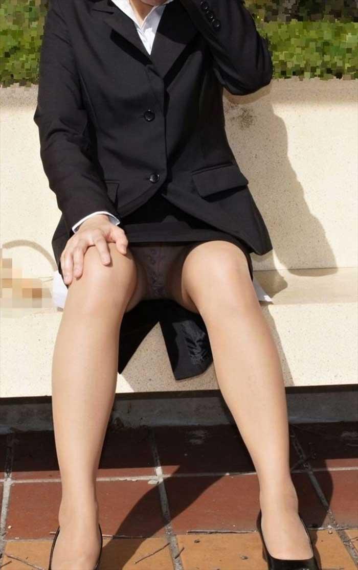 【リクルートスーツエロ画像】頑張りエロの最高峰、リクルートスーツ!女性は永遠に就活していてほしいすww穴が開くほど見てしまうリ就活スーツエロ画像 03