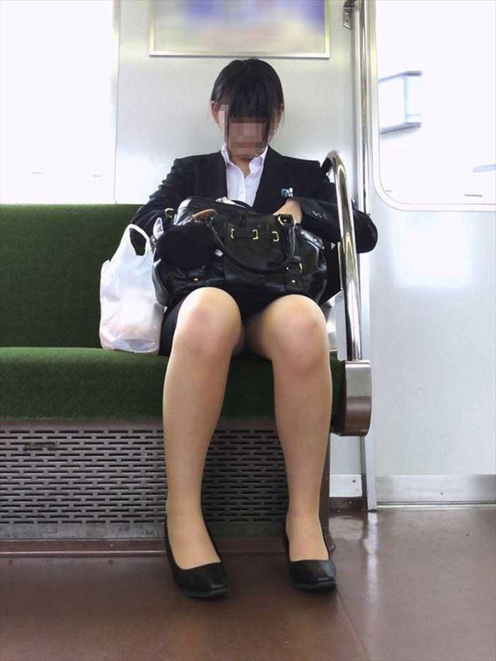 【リクルートスーツエロ画像】頑張りエロの最高峰、リクルートスーツ!女性は永遠に就活していてほしいすww穴が開くほど見てしまうリ就活スーツエロ画像 05