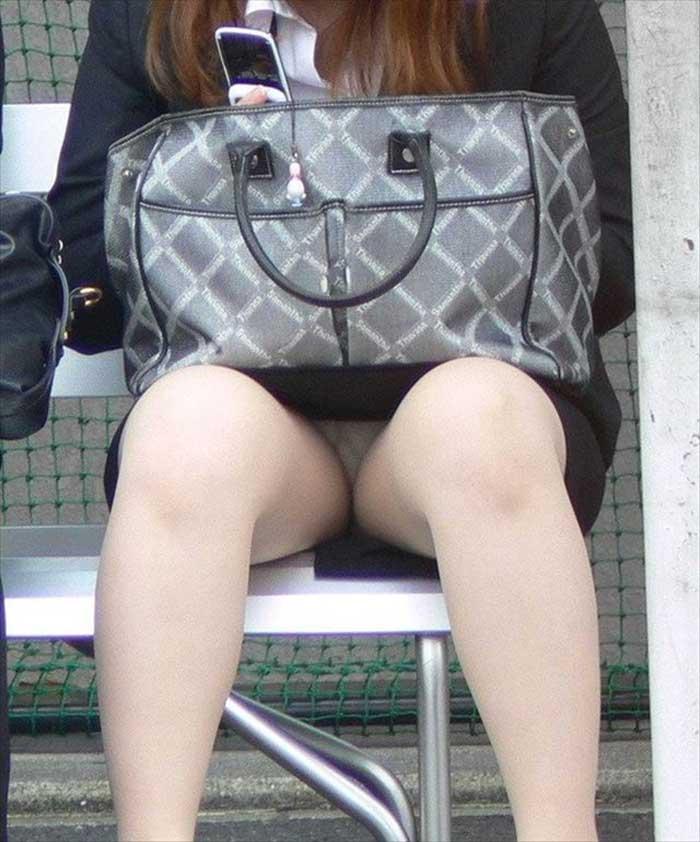 【リクルートスーツエロ画像】頑張りエロの最高峰、リクルートスーツ!女性は永遠に就活していてほしいすww穴が開くほど見てしまうリ就活スーツエロ画像 09