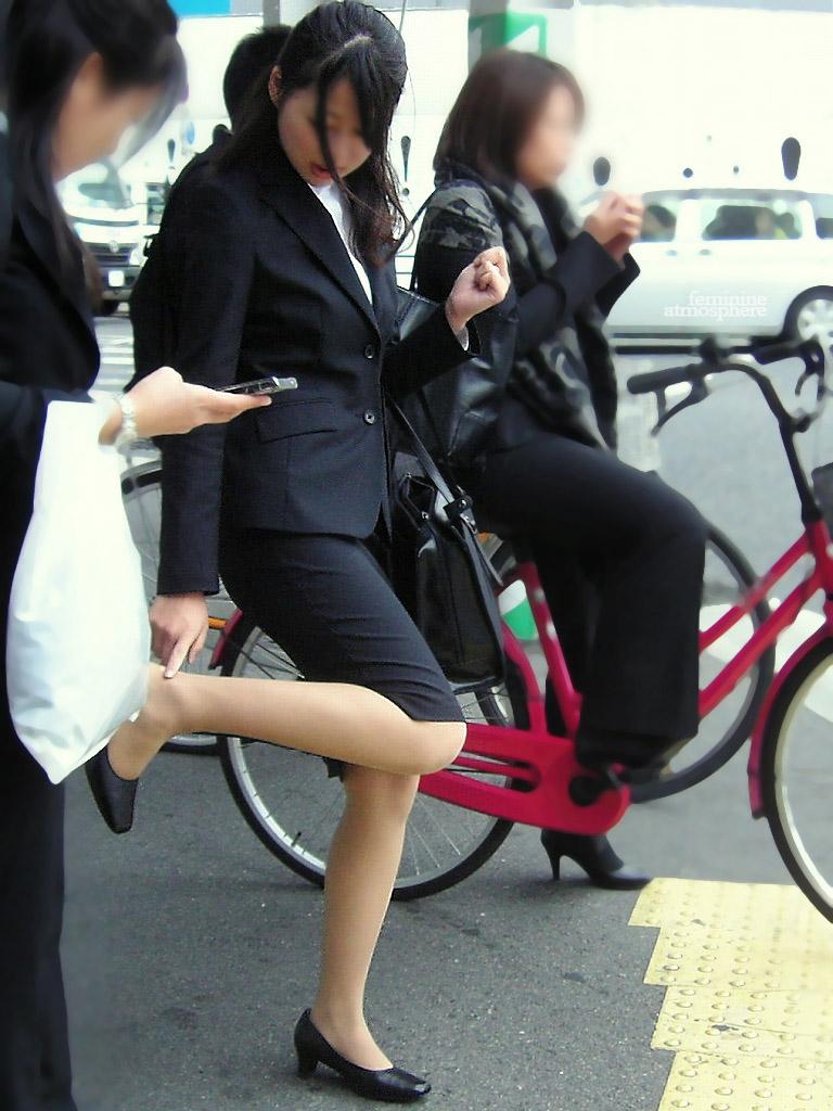 【リクルートスーツエロ画像】頑張りエロの最高峰、リクルートスーツ!女性は永遠に就活していてほしいすww穴が開くほど見てしまうリ就活スーツエロ画像 20