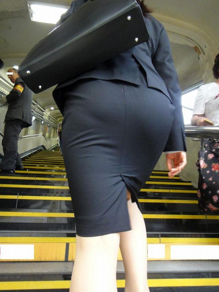 【リクルートスーツエロ画像】頑張りエロの最高峰、リクルートスーツ!女性は永遠に就活していてほしいすww穴が開くほど見てしまうリ就活スーツエロ画像 32