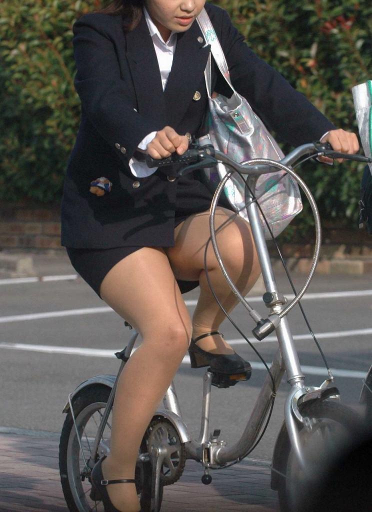 【リクルートスーツエロ画像】頑張りエロの最高峰、リクルートスーツ!女性は永遠に就活していてほしいすww穴が開くほど見てしまうリ就活スーツエロ画像 36