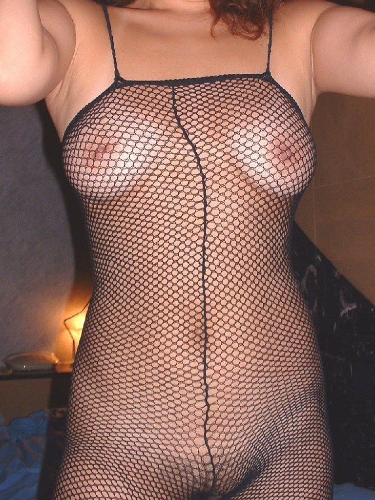 【全身タイツエロ画像】裸に全身タイツが普通の網タイツより100万倍エロいという法則!乳首完全にこすれちゃってますよねwwどんどん勃起してますよ 14