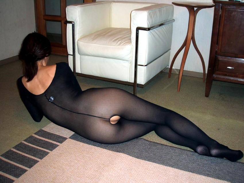 【全身タイツエロ画像】裸に全身タイツが普通の網タイツより100万倍エロいという法則!乳首完全にこすれちゃってますよねwwどんどん勃起してますよ 16