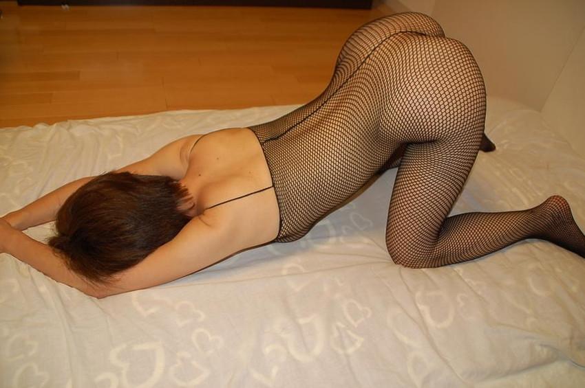 【全身タイツエロ画像】裸に全身タイツが普通の網タイツより100万倍エロいという法則!乳首完全にこすれちゃってますよねwwどんどん勃起してますよ 18