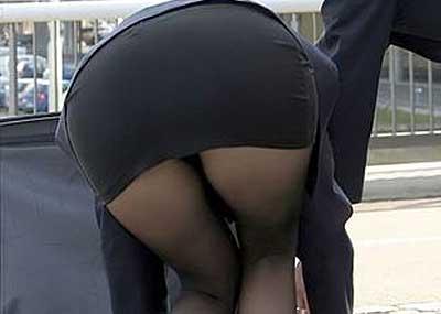 パツンパツンになったタイトスカートってエ□すぎだろwww女は尻のデカい方がいいと素直にオモタwww(画像15枚)