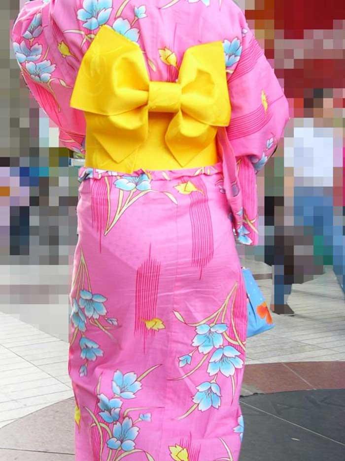 【祭りエロ画像】カップルからのおすそ分けwwお祭りでテンション上がってる娘のパンチラやお神輿での乳首露出など・・お祭りエロ画像集 18