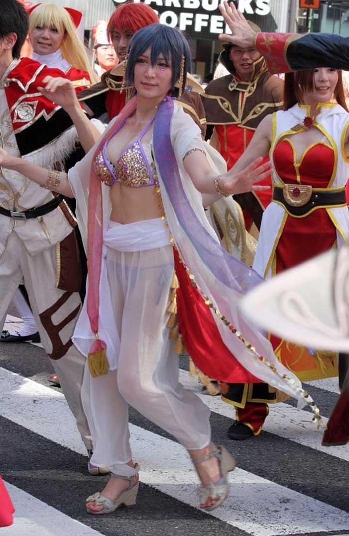 【祭りエロ画像】カップルからのおすそ分けwwお祭りでテンション上がってる娘のパンチラやお神輿での乳首露出など・・お祭りエロ画像集 25