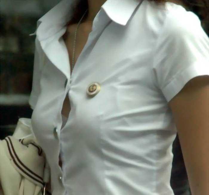 【胸チラエロ画像】ブラウスのボタンの隙間から見えるおっぱいが一回りして一番エロいと思う俺が集めた最高の素人ブラウス胸チラ画像50枚 30