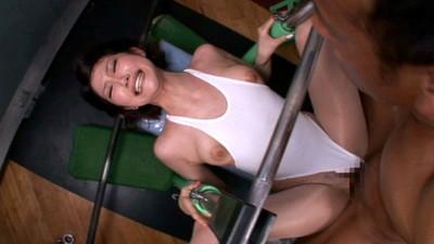 【スポーツウエアエロ画像】スポーツジムってこんなにエロいの!こんなにやらしい恰好した娘が見られるなんて会費安いとさえ感じてしまうエロ画像集 40