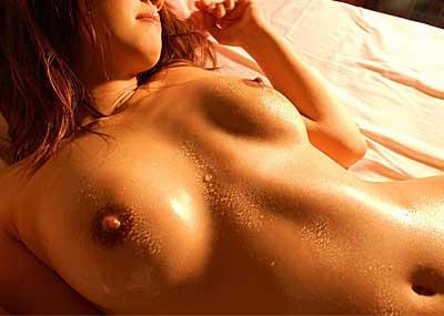 【汗だくエロ画像】エロ画像も女が汗だくだと8割増しでエロいという事実!スポーツだけでなくエロにも汗が必要だとわからせてくれる珠玉の画像集!